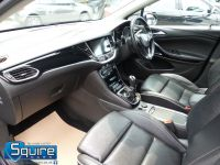 VAUXHALL ASTRA ELITE EDITION ** NAVIGATION + LEATHER + £20 TAX ** - 2266 - 20