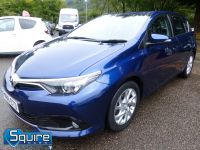 TOYOTA AURIS D-4D BUSINESS EDITION ** ONLY 20,000 MILES + NAVIGATION + £20 TAX** - 2302 - 18