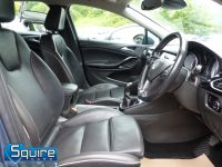 VAUXHALL ASTRA ELITE EDITION ** NAVIGATION + LEATHER + £20 TAX ** - 2266 - 36