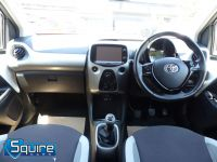 TOYOTA AYGO VVT-I X-PLAY ** COLOUR NAVIGATION - 1 OWNER ** - 2278 - 14