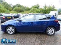 TOYOTA AURIS D-4D BUSINESS EDITION ** ONLY 20,000 MILES + NAVIGATION + £20 TAX** - 2302 - 21