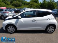 TOYOTA AYGO VVT-I X-PLAY ** COLOUR NAVIGATION - 1 OWNER ** - 2278 - 13
