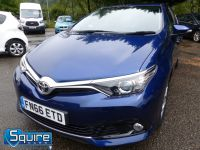 TOYOTA AURIS D-4D BUSINESS EDITION ** ONLY 20,000 MILES + NAVIGATION + £20 TAX** - 2302 - 1