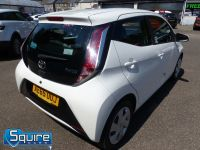 TOYOTA AYGO VVT-I X-PLAY ** COLOUR NAVIGATION - 1 OWNER ** - 2278 - 11