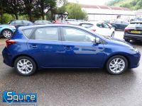 TOYOTA AURIS D-4D BUSINESS EDITION ** ONLY 20,000 MILES + NAVIGATION + £20 TAX** - 2302 - 5