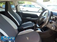 TOYOTA AYGO VVT-I X-PLAY ** COLOUR NAVIGATION - 1 OWNER ** - 2278 - 29