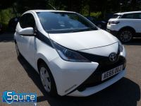 TOYOTA AYGO VVT-I X-PLAY ** COLOUR NAVIGATION - 1 OWNER ** - 2278 - 1