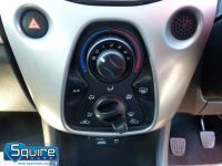 TOYOTA AYGO VVT-I X-PLAY ** COLOUR NAVIGATION - 1 OWNER ** - 2278 - 25